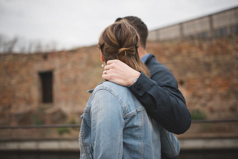 Le couple est photographié à Colmar.